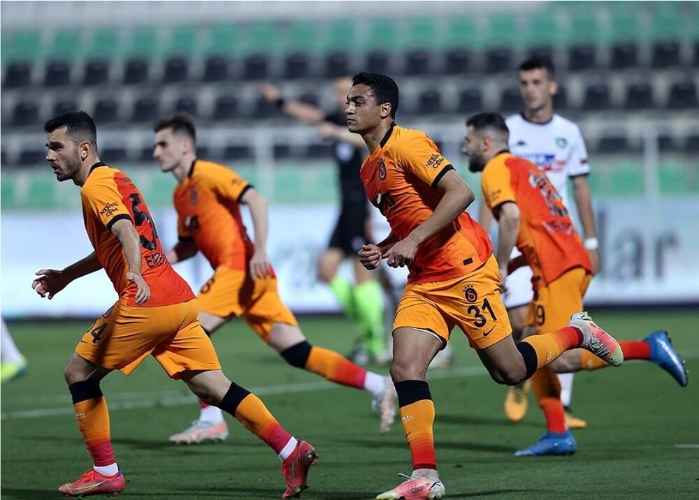 Galatasaray Foto Twitter.