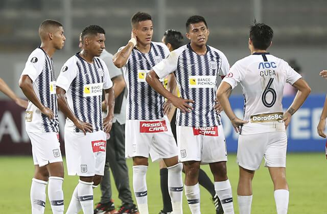 335524_Fútbol en Perú