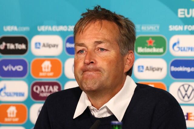 Director técnico de Dinamarca sobre Eriksen