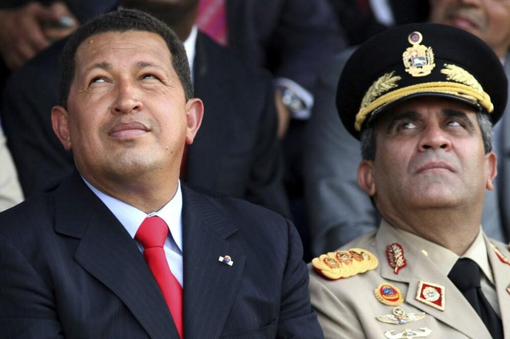 Raúl Baduel y Hugo Chávez