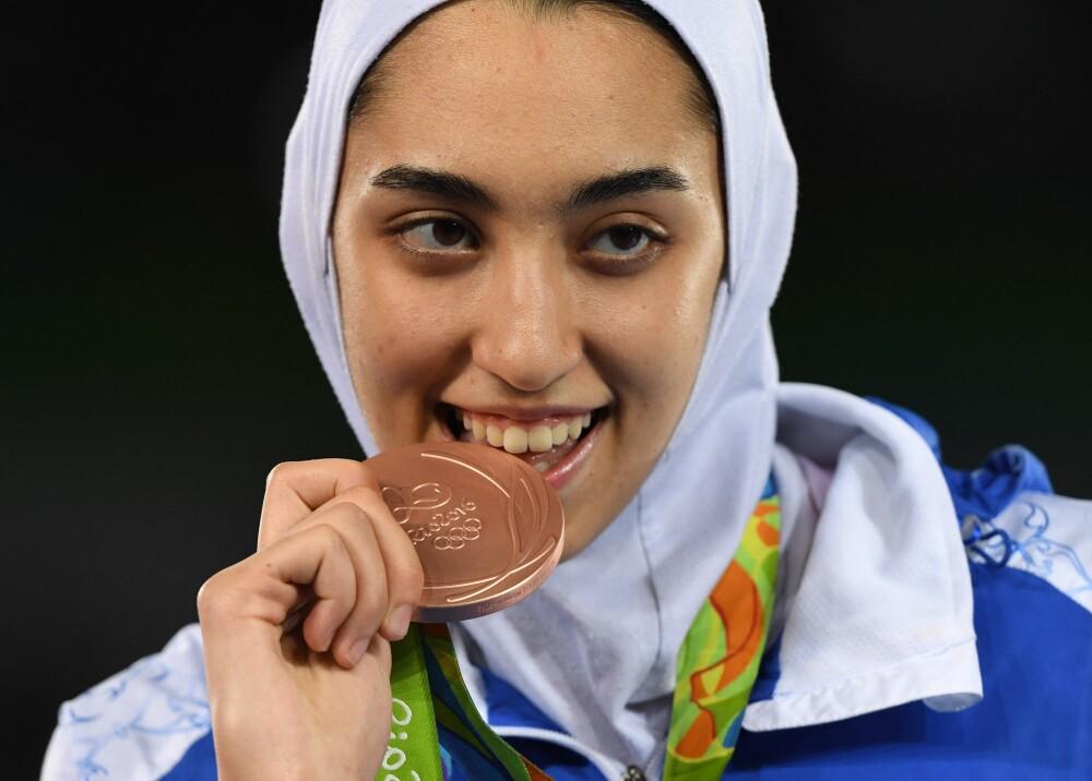 Kimia Alizadeh Equipo de refugiados Foto AFP.jpg