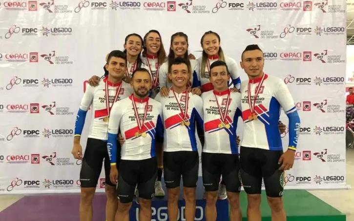 Selección Colombia de pista en Lima, Perú.