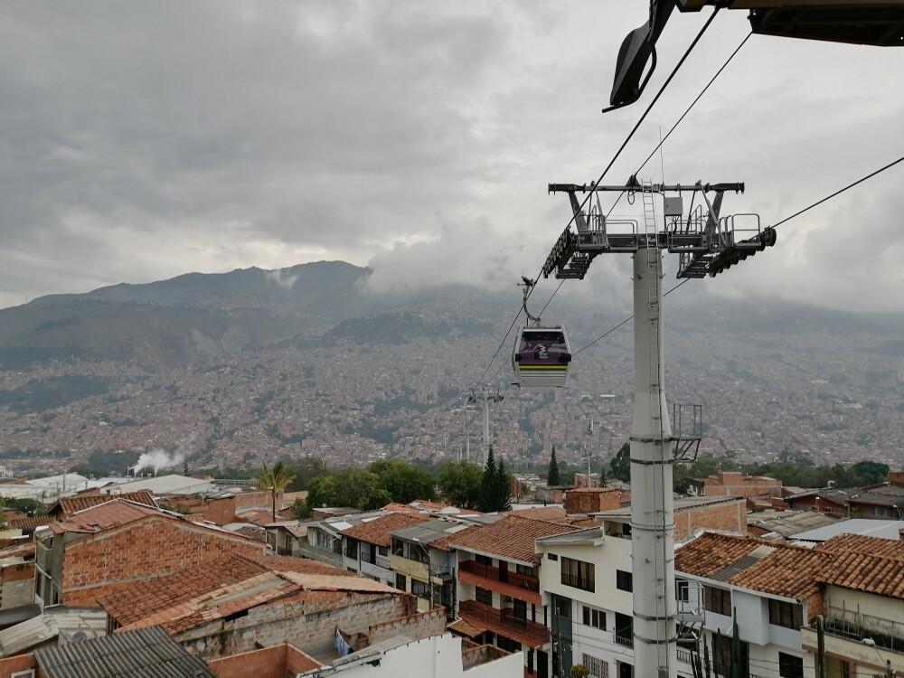 Metrocable Picacho Medellín.jpg