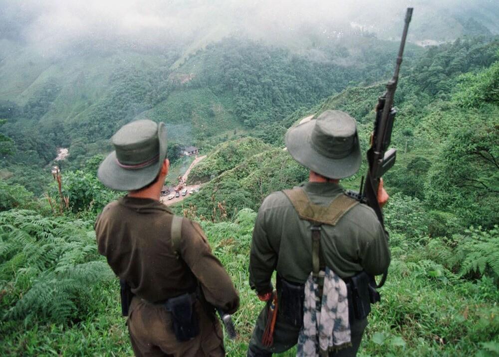 Guerrilleros de Farc en Caquetá durante 1998 : Archivo AFP.jpeg