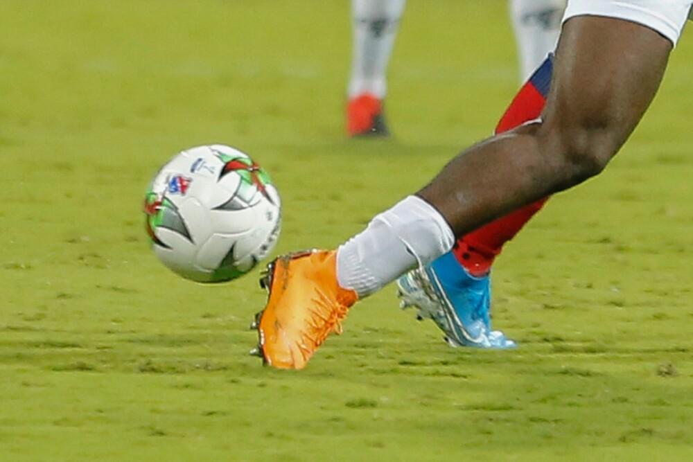 Generica futbol colombiano 011220 COL E.jpg