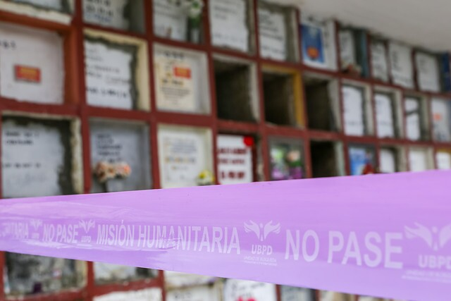 Unidad de Búsqueda recupera cuerpos en cementerio de Puerto Berrío, Antioquia.
