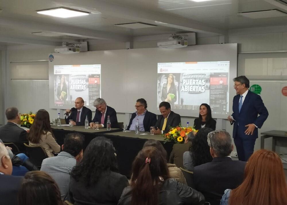 335638_Blu Radio // Foro salud mental. Foto: Universidad del Rosario