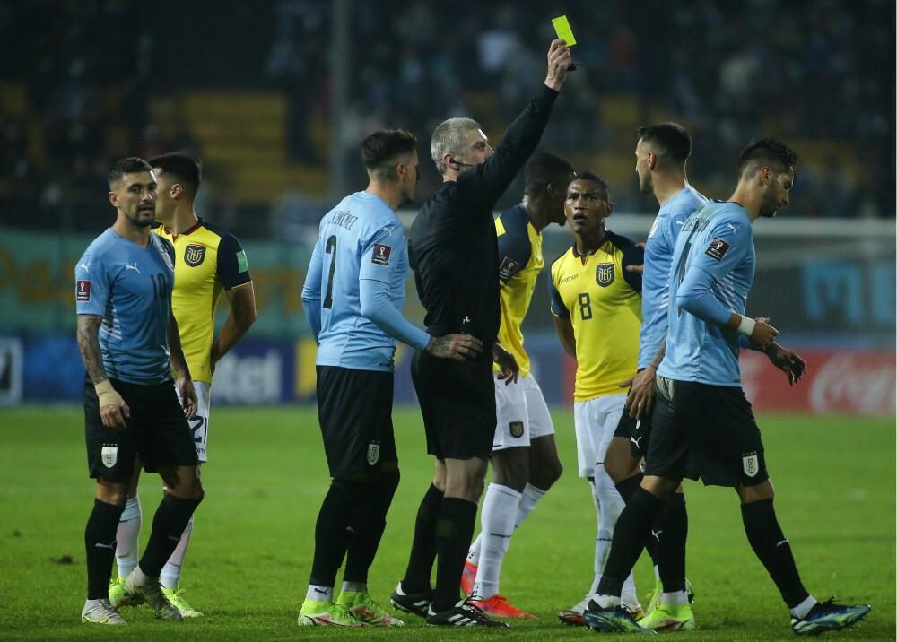 Arbitraje partido entre Ecuador y Uruguay Foto AFP.jpg