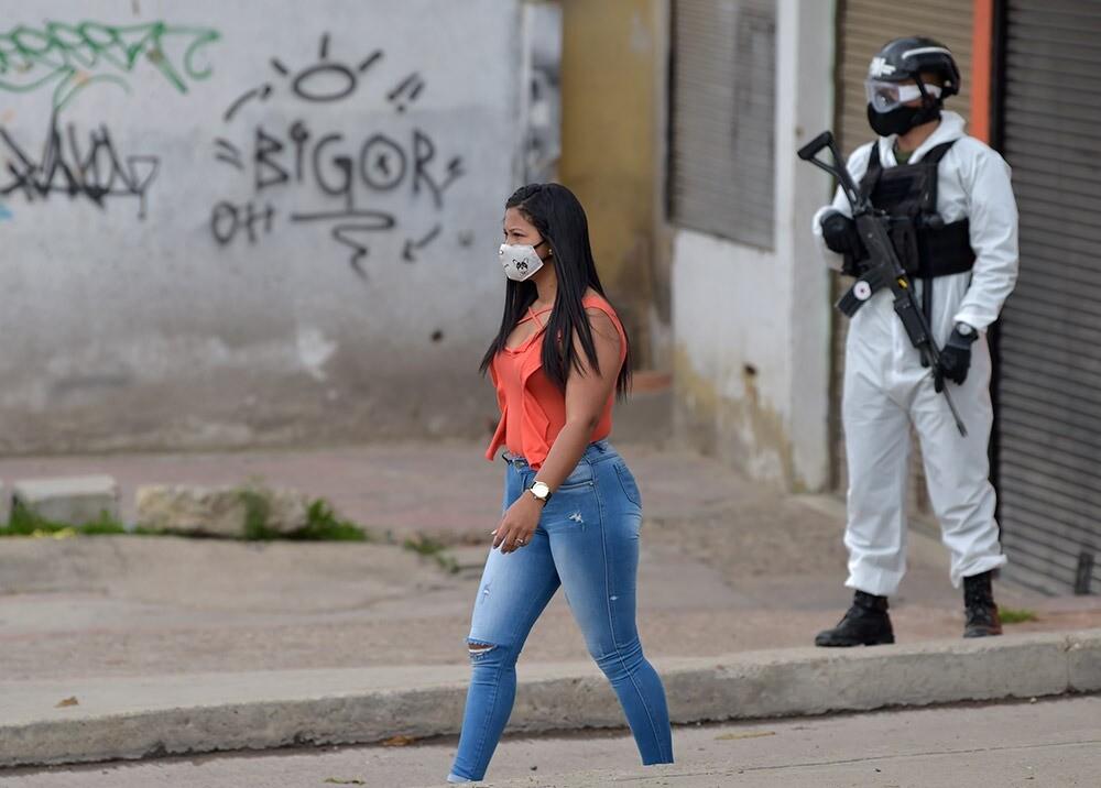 371732_Controles durante la pandemia // Foto: AFP, imagen de referencia