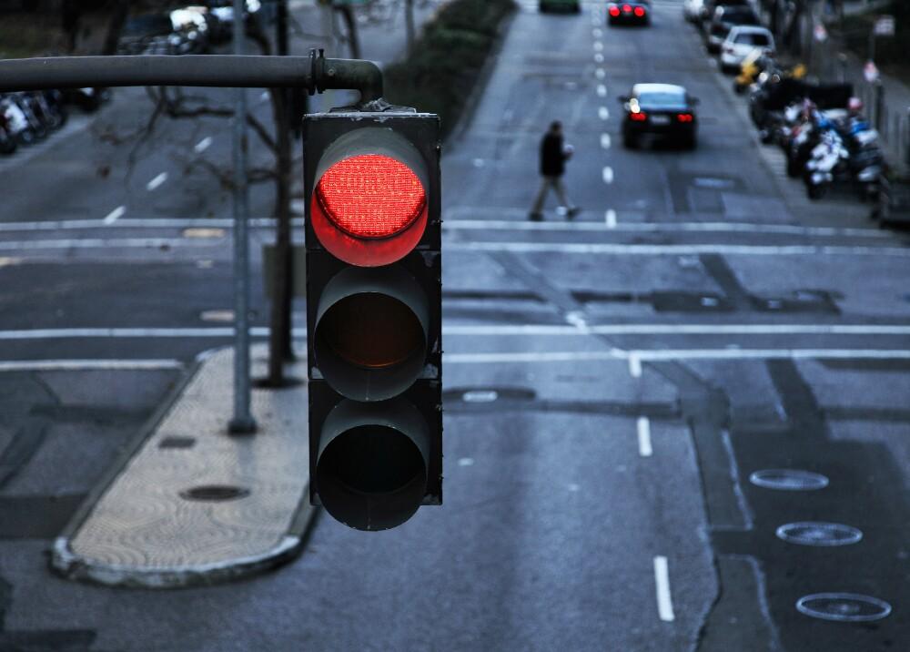 14273_La Kalle - Cayó de un piso 13 y un semáforo le salvó la vida - Foto: Getty images ilustrativa