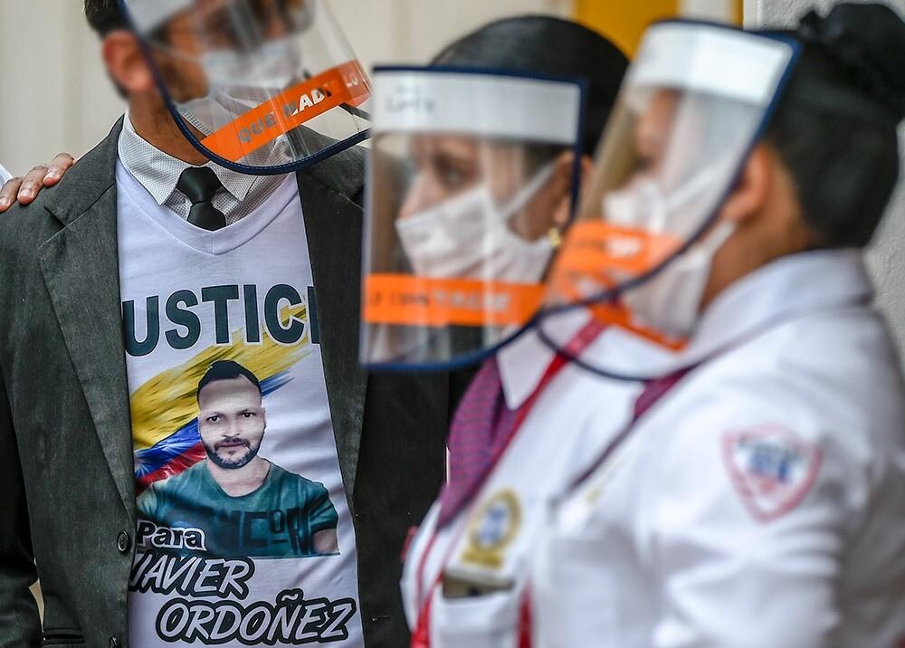 Exequias de Javier Ordóñez :: Foto: AFP.jpeg
