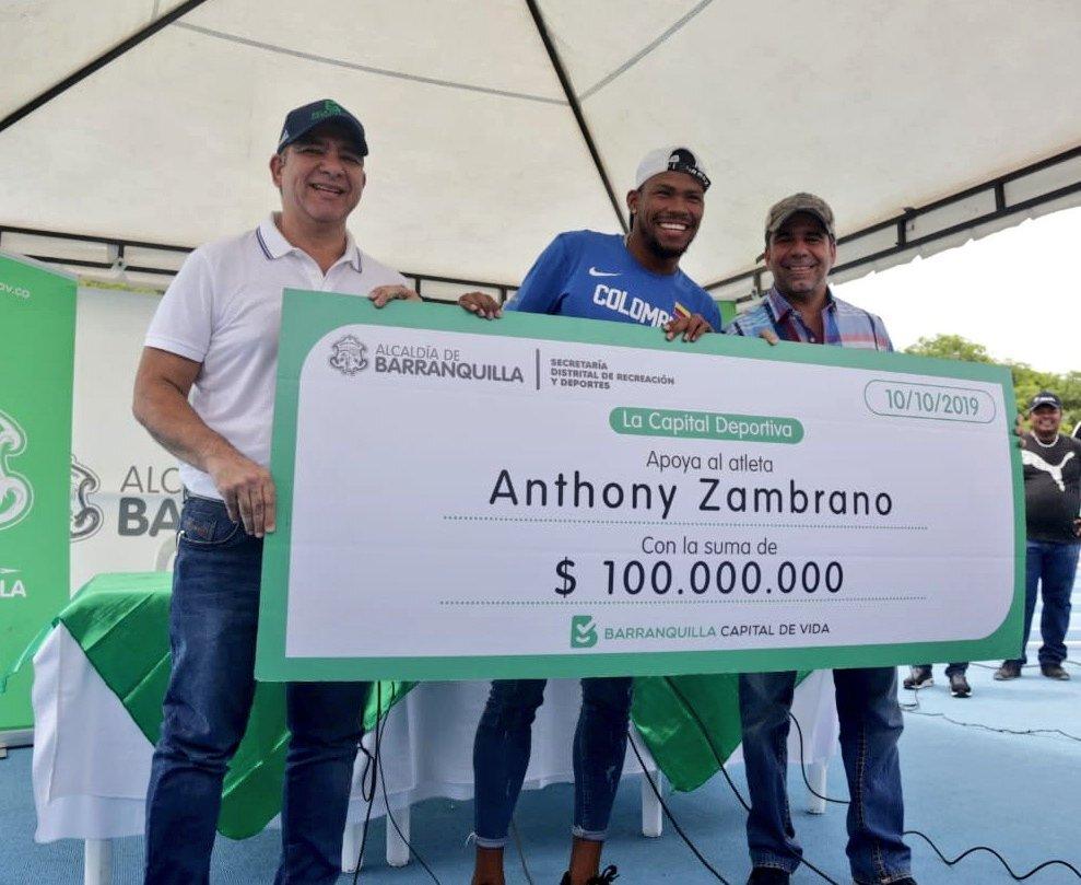 345611_BLU Radio // Anthony Zambrano junto al alcalde Alejandro Char // Foto: cortesía Alcaldía de Barranquilla