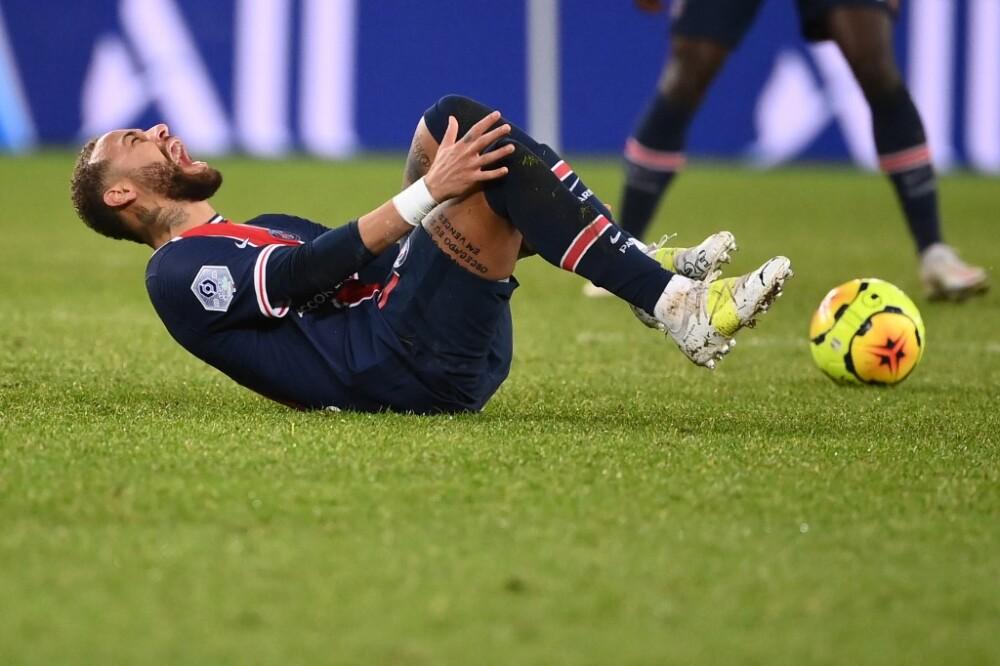 Neymar, lesionado - PSG vs Lyon