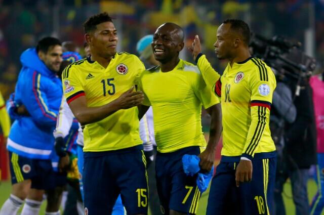 335135_Alexander Mejía, Pablo Armero y Camilo Zúñiga.