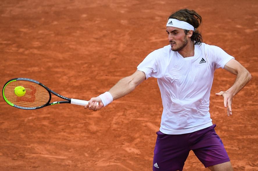 Stefanos Tsitsipas clasificó a tercera ronda de Roland Garros.