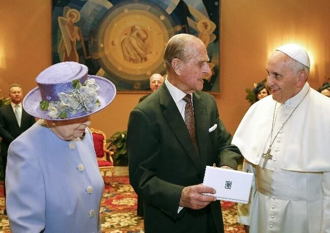 reina isabel principe felipe papa francisco_afp.jpg