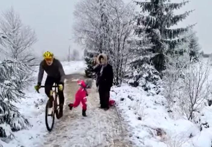 niña arrollada por ciclista en Bélgica