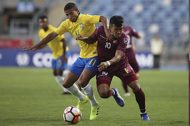 295548_brasil_venezuela_210119_afpe.jpg