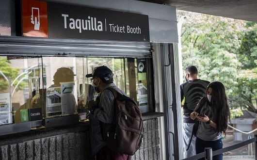 Usuarios Metro de Medellín.jpg