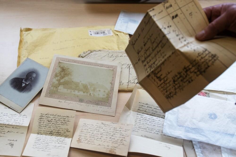 Encuentran reveladoras cartas del padre de Adolf Hitler en Austria