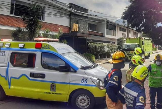caída de árbol mata a abuelito en Medellín.png