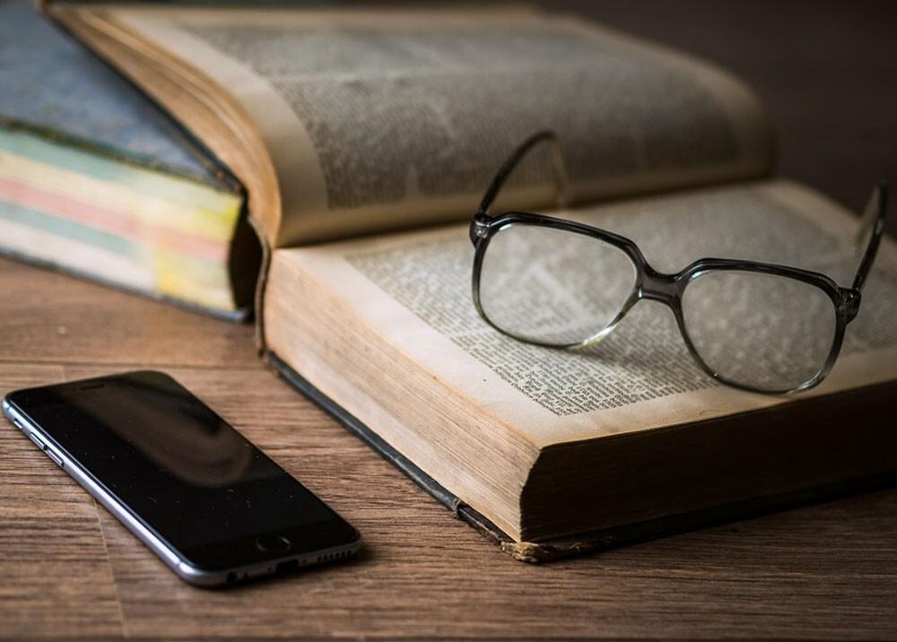 279818_Blu Radio. Libros / Foto tomada de Pixabay