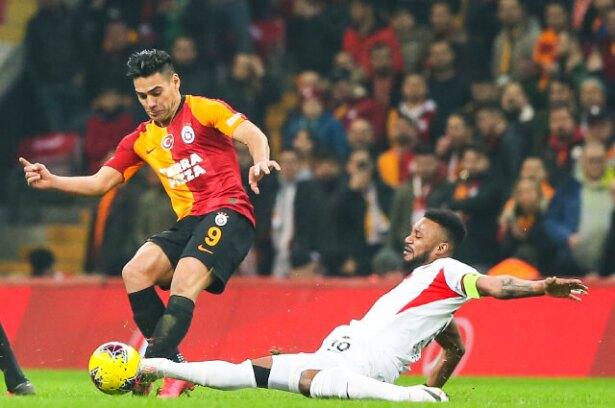 Falcao García estaría dos semanas alejado de las canchas con Galatasaray,  aseguran en Turquía