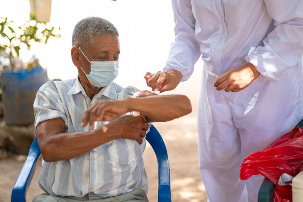 Vacunación Foto Coosalud.jpeg