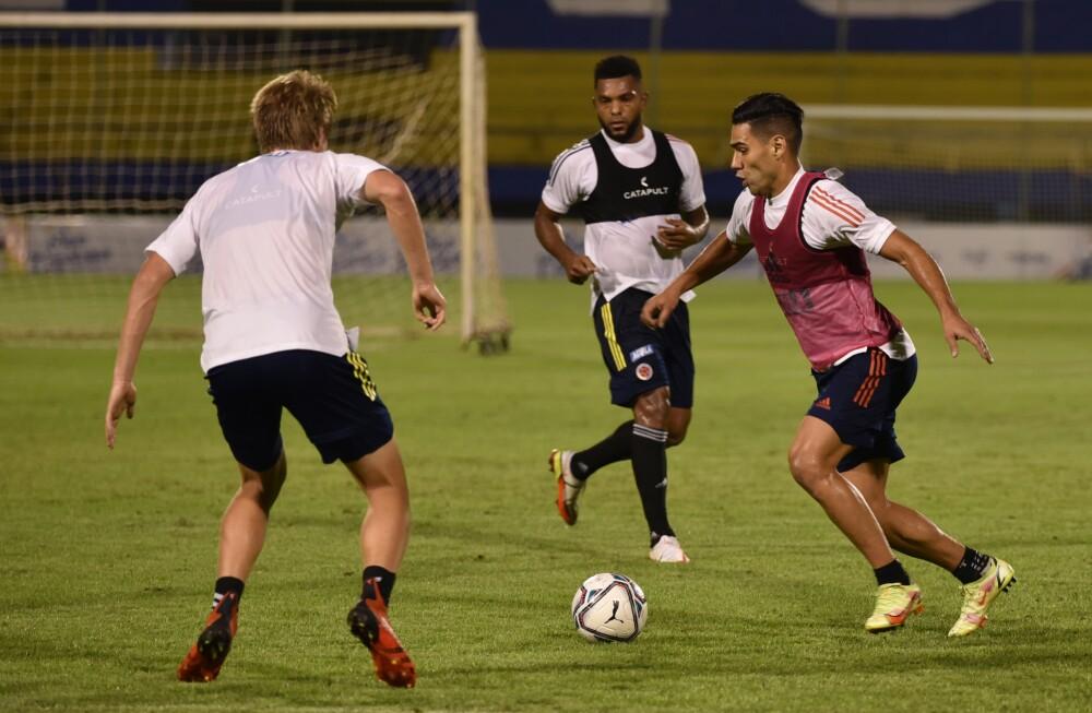 Jugadores de la Selección Colombia entrenando. FCF.JPG