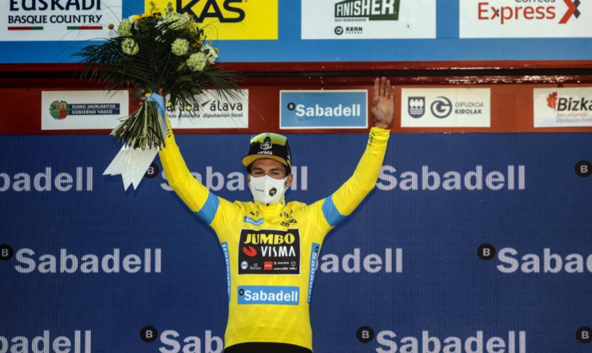 Primoz Roglic es el líder de la Vuelta al País Vasco.