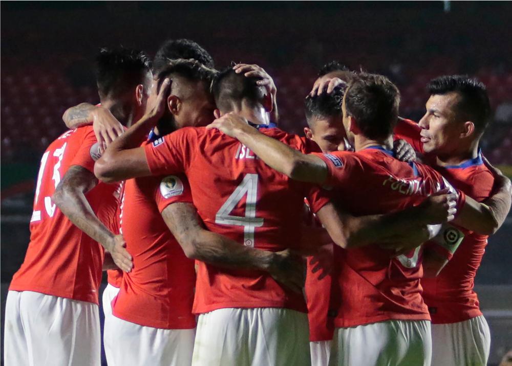 336676_BLU Radio // Chile venció a Japón en Copa América // AFP