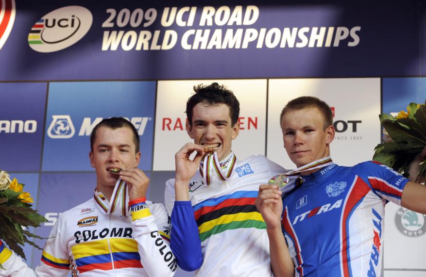 Romain Sicard (C) se retira del ciclismo a los 33 años.