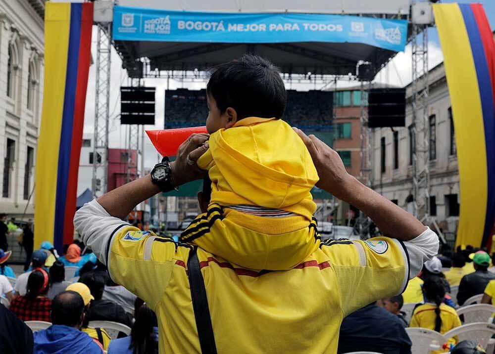 336380_BLU Radio // Pantallas gigantes // Foto: AFP