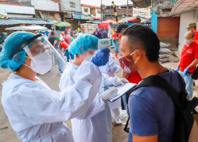 365957_Controles contra el coronavirus en la galería Santa Elena de Cali // Foto: Alcaldía de Cali