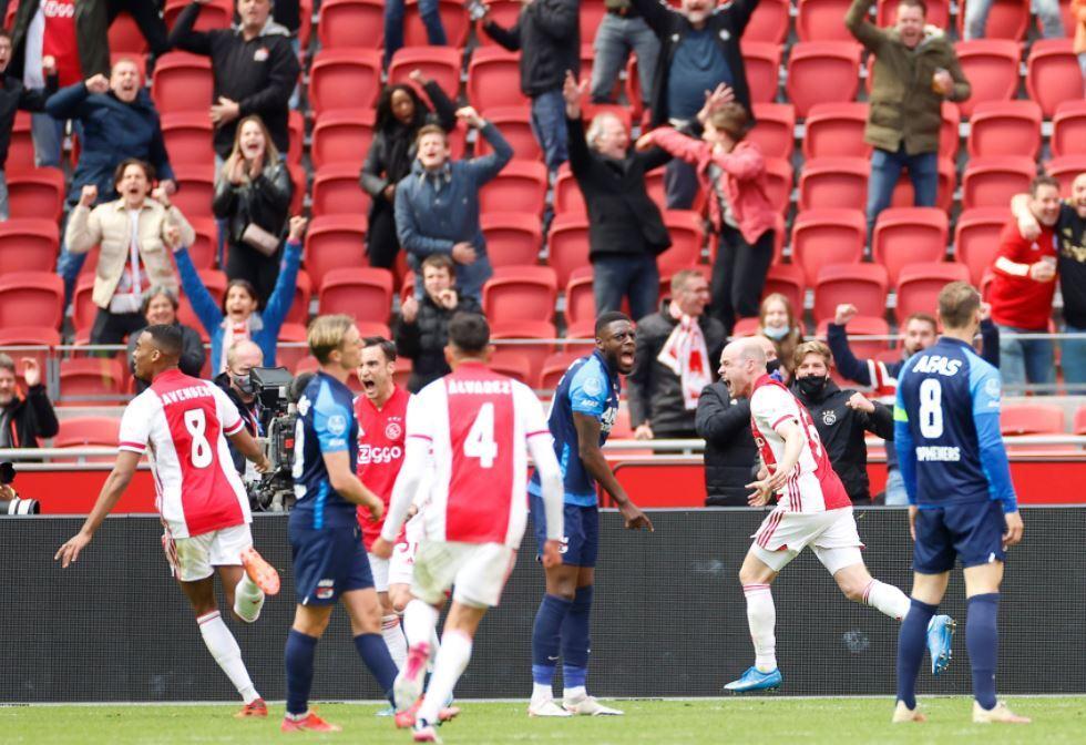 Ajax Celebra AZ 250421 Twitter E.JPG