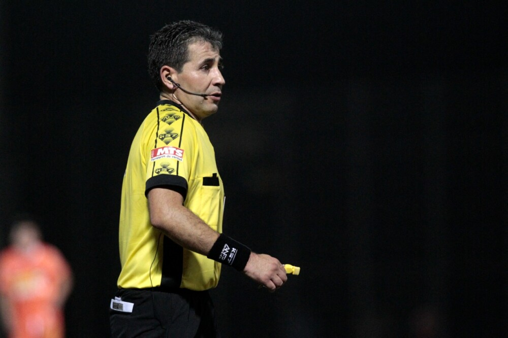 Claudio Aranda, árbitro chileno..jpeg