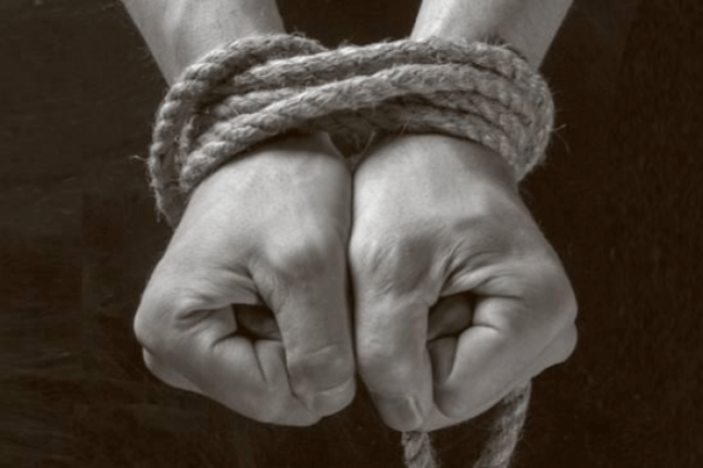 """Bombero que secuestró a un supuesto ladrón dijo que fue para """"darle una lección"""""""