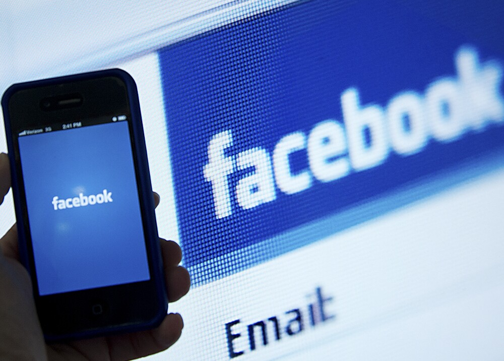 """Facebook attributes global drop to """"a configuration change"""""""