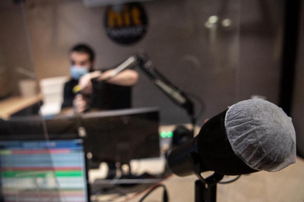 microfono radio.jpeg