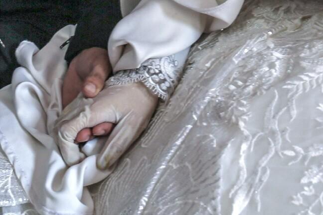 manos matrimonio_afp.jpg