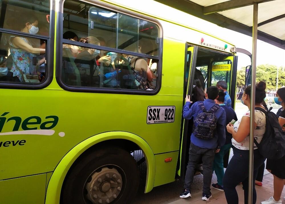372847_BLU Radio: Bus Metrolínea Bucaramanga/ Foto: BLU Radio