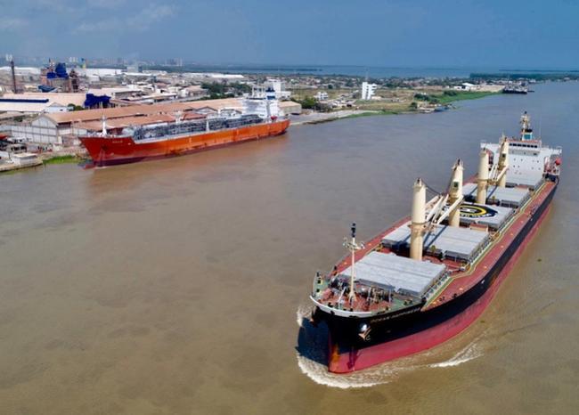 351756_BLU Radio // Canal de acceso al Puerto de Barranquilla // Foto: Dimar