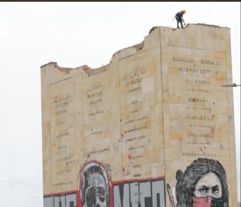 Demolición Monumento Los Héroes