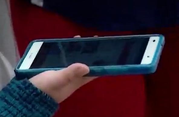 celular menor de edad foto conceptual.png