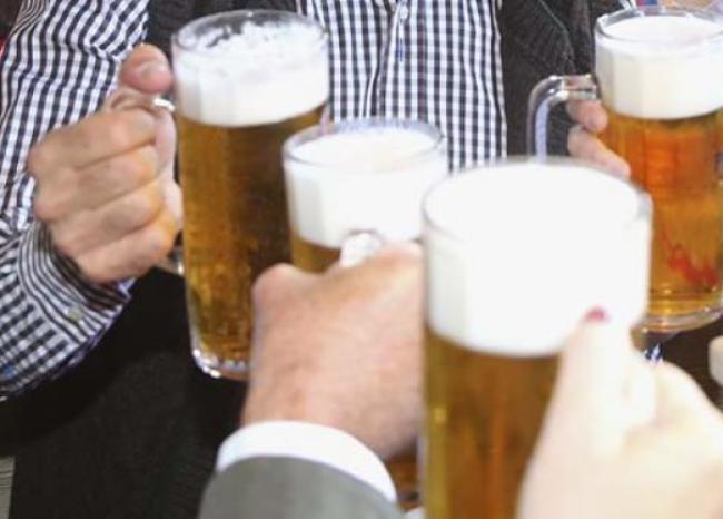 241082_BLU Radio, cerveza / Foto de referencia: AFP