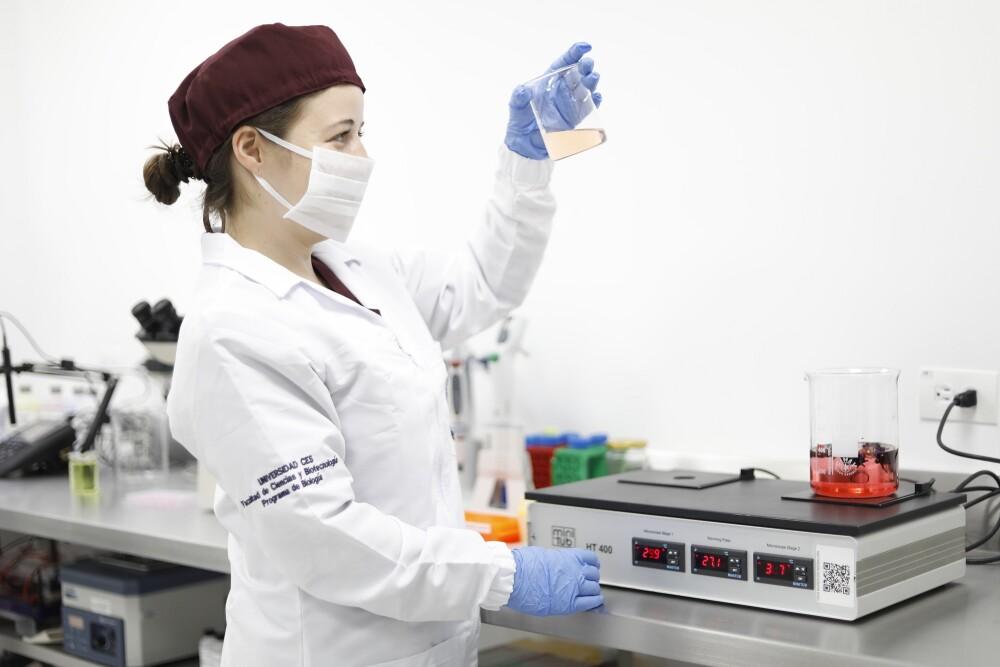 Laboratorio universidad CES para cosméticos libres de crueldad animal.jpg