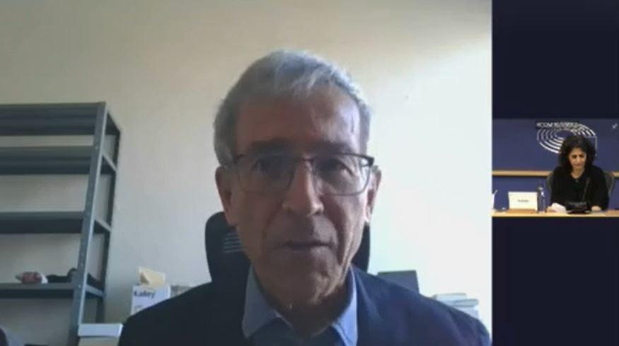 Padre Francisco de Roux ante el parlamento Europeo. Foto captura de pantalla video.JPG
