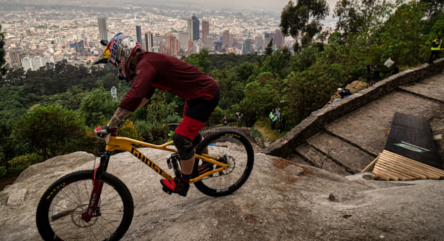 © KEVIN MOLANO/RED BULL CONTENT POOL