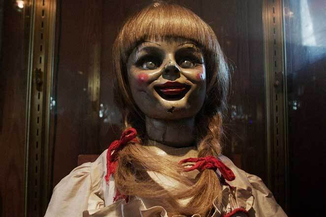 400247_the-conjuring-annabell-the-doll-face-glass-case.jpg