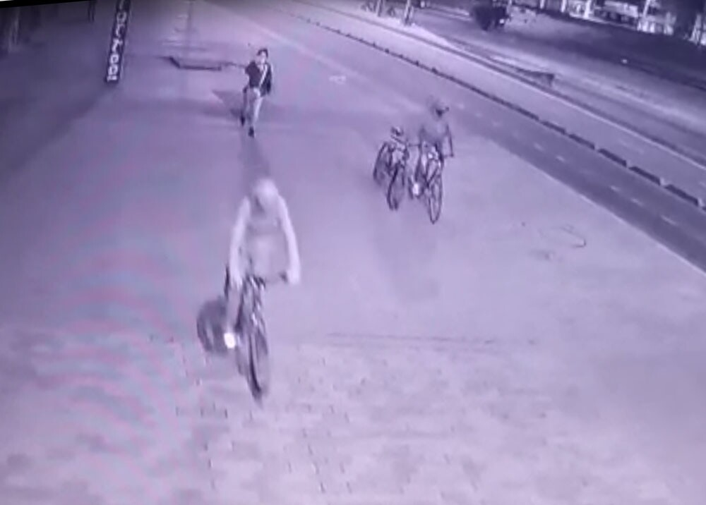 ladrones de bicicletas de transmilenio.jpg